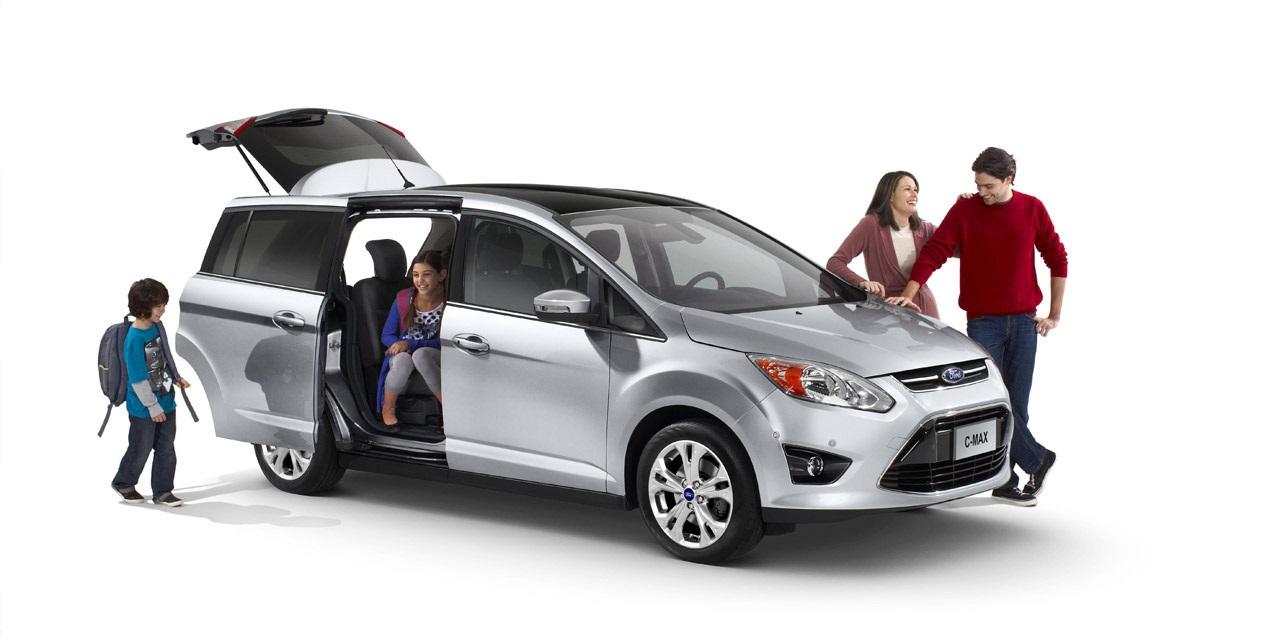 семья покупает машину