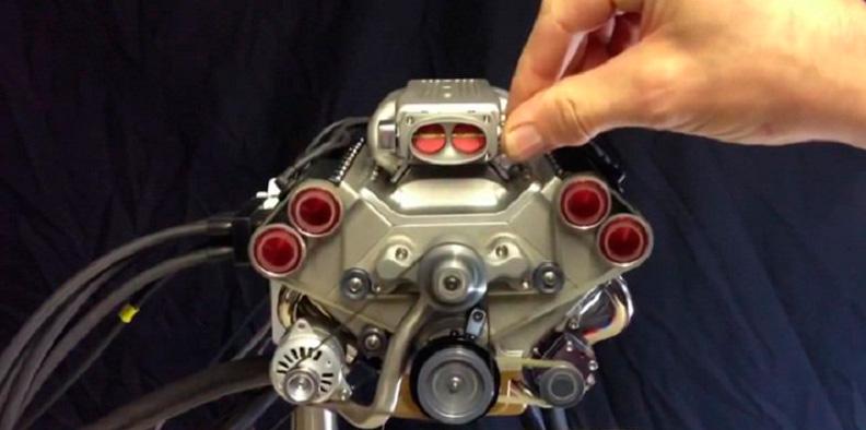 маленький двигатель