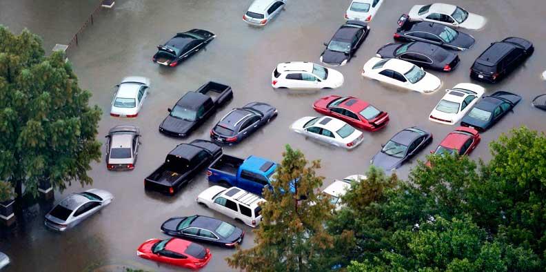 машины затопило