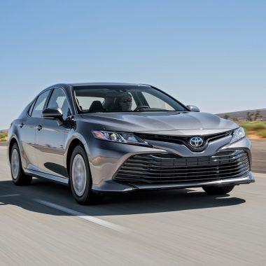 11. Toyota Camry продано 33 700